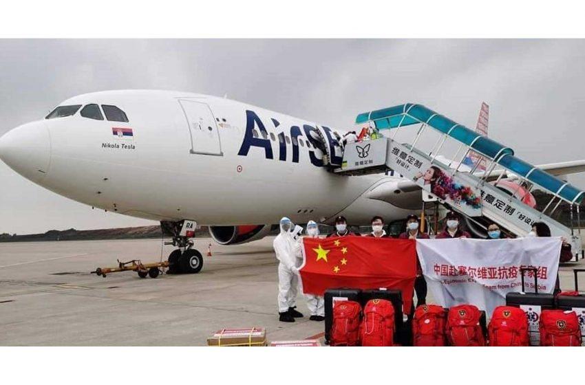 Avion sa lekarima i pomoci iz Kine sleteo u Beograd
